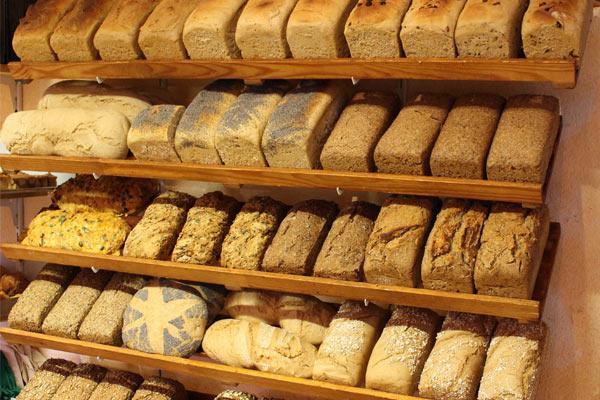 Hofeigene Produkte: Brot und Brötchen
